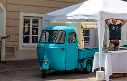 17.06.2017, Stadtplatz, Zell am See, AUT, Vespa Alp Days, im Bild ein Piaggio Ape AC4 // a Piaggio Ape AC4 during the annual Vespa Alp Days at the Marketplace, Zell am See, Austria on 2017/06/17. EXPA Pictures © 2017, PhotoCredit: EXPA/ JFK