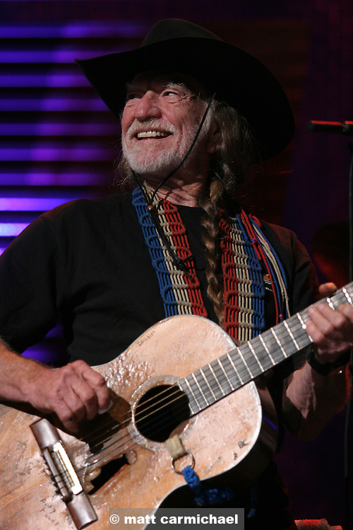 TINLEY PARK, IL - SEPTEMBER 18: Farm Aid co-founder Willie Nelson performs live at the 20th Anniversary Farm Aid concert benefiting the family farmers affected by Hurricane Katrina September 18, 2005 at The Tweeter Center Chicago, in Tinley Park, Illinois.