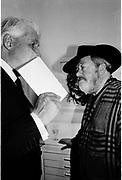 Sir Peter Wakefield and Derek Birdsall. Maggi Hambling opening. Marlborough. 2  October 2001. © Copyright Photograph by Dafydd Jones 66 Stockwell Park Rd. London SW9 0DA Tel 020 7733 0108 www.dafjones.com