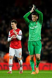 Arsenal Goalkeeper Wojciech Szczesny (POL) appleuds the supporters after Arsenal win the match 2-0 - Photo mandatory by-line: Rogan Thomson/JMP - Tel: Mobile: 07966 386802 - 18/01/14 - SPORT - FOOTBALL - Emirates Stadium - Arsenal v Fulham - Barclays Premier League.