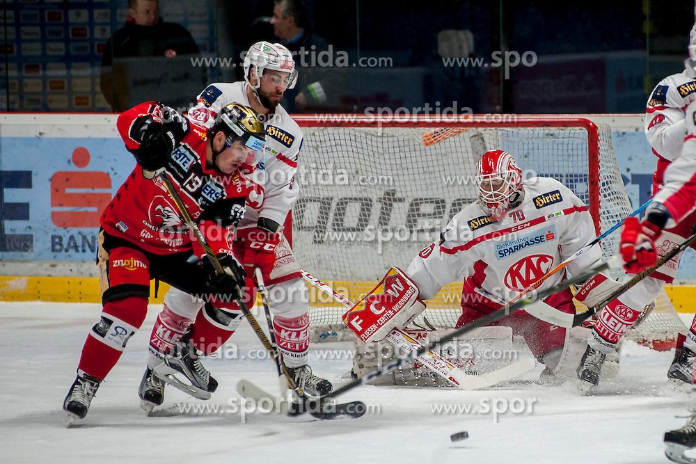 13.01.2017, Ice Rink, Znojmo, CZE, EBEL, HC Orli Znojmo vs EC KAC, 43. Runde, im Bild v.l. Colton Jaret Yellow Horn (HC Orli Znojmo) Martin Schumnig (EC KAC) Tomas Duba (EC KAC) // during the Erste Bank Icehockey League 43th round match between HC Orli Znojmo and EC KAC at the Ice Rink in Znojmo, Czech Republic on 2017/01/13. EXPA Pictures © 2017, PhotoCredit: EXPA/ Rostislav Pfeffer