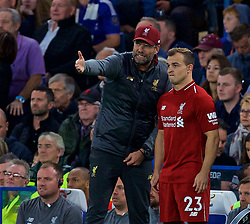 LONDON, ENGLAND - Saturday, September 29, 2018: Liverpool's manager Jürgen Klopp prepares to bring on substitute Xherdan Shaqiri during the FA Premier League match between Chelsea FC and Liverpool FC at Stamford Bridge. (Pic by David Rawcliffe/Propaganda)