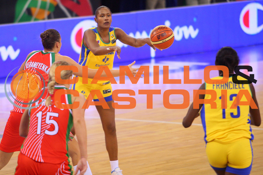 DESCRIZIONE : Madrid 2008 Fiba Olympic Qualifying Tournament For Women Quarter Finals Brazil Belarus <br /> GIOCATORE : Jucimara Dantas <br /> SQUADRA : Brazil Brasile <br /> EVENTO : 2008 Fiba Olympic Qualifying Tournament For Women <br /> GARA : Brazil Belarus Brasile Bielorussia <br /> DATA : 13/06/2008 <br /> CATEGORIA : Passaggio <br /> SPORT : Pallacanestro <br /> AUTORE : Agenzia Ciamillo-Castoria/S.Silvestri <br /> Galleria : 2008 Fiba Olympic Qualifying Tournament For Women<br /> Fotonotizia : Madrid 2008 Fiba Olympic Qualifying Tournament For Women Quater Finals Brazil Belarus <br /> Predefinita :