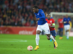 LILLE, FRANCE - Thursday, October 23, 2014: Everton's Romelu Lukaku in action against Lille OSC during the UEFA Europa League Group H match at Stade Pierre-Mauroy. (Pic by David Rawcliffe/Propaganda)