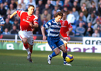 Photo: Gareth Davies.<br />Reading v Charlton Athletic. The Barclays Premiership. 18/11/2006.<br />Charlton captain Luke Young (L) tries to stop Reading winger Steven Hunt (R)