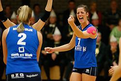 20-10-2013 VOLLEYBAL: EREDIVISIE PEELPUSH - SLIEDRECHT SPORT: MEIJEL<br /> Nienke de Waard, Sliedrecht Sport<br /> ©2013-FotoHoogendoorn.nl / Pim Waslander