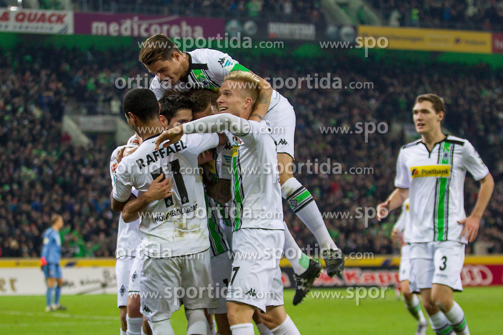 05.12.2015, Stadion im Borussia Park, Moenchengladbach, GER, 1. FBL, Borussia Moenchengladbach vs FC Bayern Muenchen, 15. Runde, im Bild Raffael (Borussia Moenchengladbach #11), Lars Stindl (Borussia Moenchengladbach #13), Granit Xhaka (Borussia Moenchengladbach #34), Oscar Wendt (Borussia Moenchengladbach #17) undvAndreas Christensen (Borussia Moenchengladbach #3) beim Torjubel nach dem Treffer zum 2:0 // during the German Bundesliga 15th round match between Borussia Moenchengladbach and FC Bayern Muenchen at the Stadion im Borussia Park in Moenchengladbach, Germany on 2015/12/05. EXPA Pictures &copy; 2015, PhotoCredit: EXPA/ Eibner-Pressefoto/ Sch&uuml;ler<br /> <br /> *****ATTENTION - OUT of GER*****