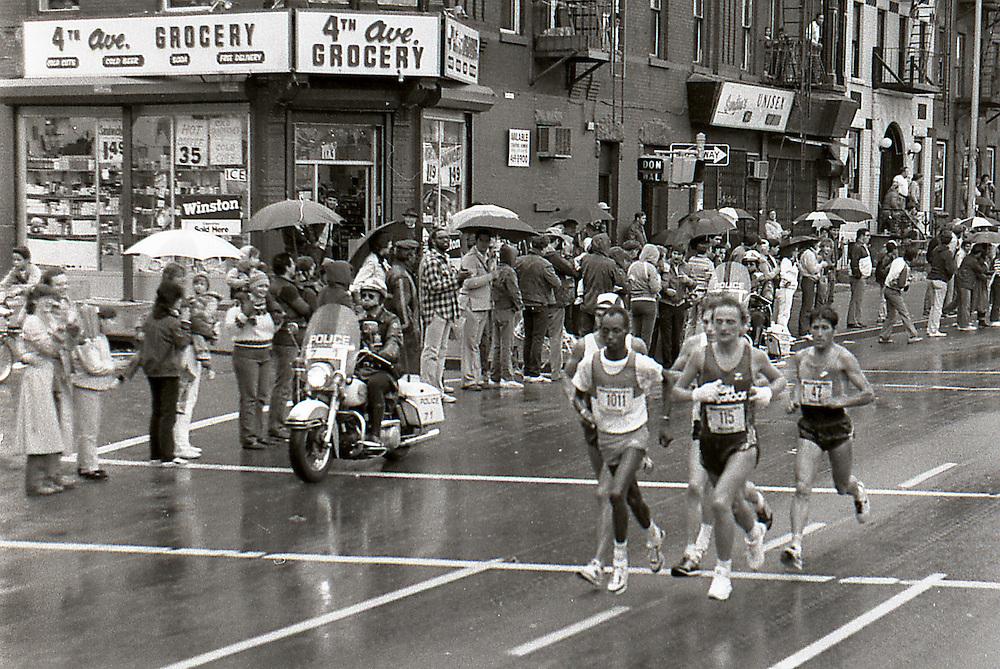Men's lead pack, 1983. In the rain.