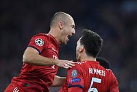 FUSSBALL CHAMPIONS LEAGUE SAISON 2018/2019 GRUPPENPHASE FC Bayern Muenchen  -  Ajax Amsterdam            02.10.2018 Torjubel Arjen Robben (li) und Torschuetze 1-0 Mats Hummels (re, beide FC Bayern Muenchen)