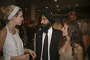 Alexandra Aitken, Waris Ahluwalia AND Chiara Clemente, Party for House of Waris jewelry collection hosted by Daphne Guinness, Alice Bamford and Wes Anderson. Dover St. market. London. 8 June 2006. ONE TIME USE ONLY - DO NOT ARCHIVE  © Copyright Photograph by Dafydd Jones 66 Stockwell Park Rd. London SW9 0DA Tel 020 7733 0108 www.dafjones.com
