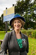Anlaby Park Library Maureen Lipman 20131004