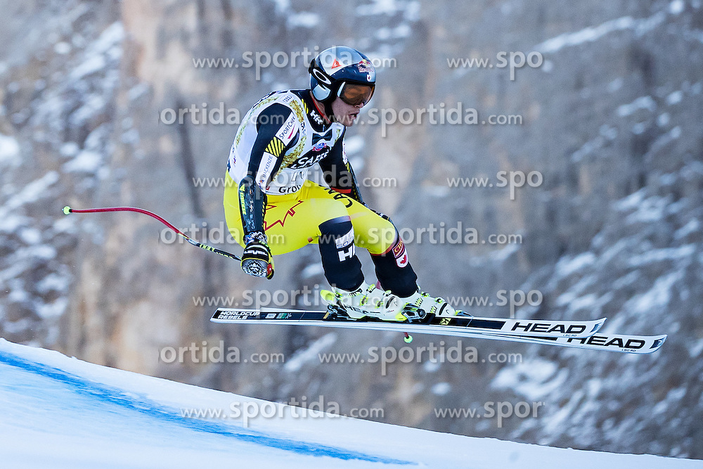 16.12.2016, Saslong, St. Christina, ITA, FIS Ski Weltcup, Groeden, Super G, Herren, im Bild Erik Guay (CAN) // Erik Guay of Canada in action during men's SuperG of FIS Ski Alpine World Cup at the Saslong race course in St. Christina, Italy on 2016/12/16. EXPA Pictures © 2016, PhotoCredit: EXPA/ Johann Groder