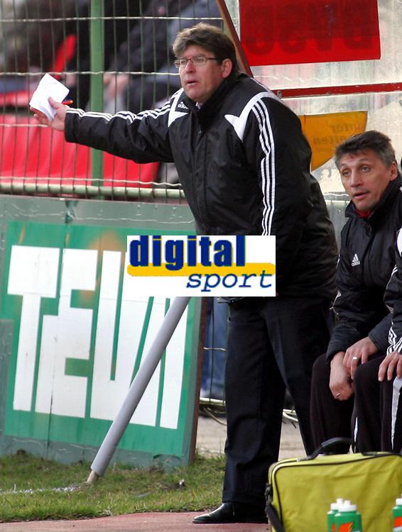 Fotball<br /> Ungarn<br /> Debrecen / Debreceni VSC<br /> Foto: imago/Digitalsport<br /> NORWAY ONLY<br /> <br /> 14.03.2009  <br /> Trainer Andras Herczeg (li.) und Co Trainer Zoran Szpisljak (beide Debrecen)