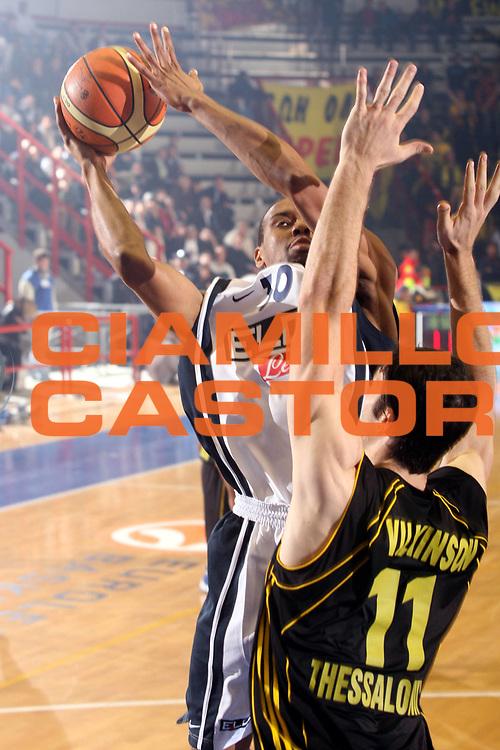 DESCRIZIONE : Napoli Eurolega 2006-07 Eldo Napoli Aris Salonicco <br />GIOCATORE : Morandais<br />SQUADRA : Eldo Napoli<br />EVENTO : Eurolega 2006-2007 Eldo Napoli Aris Salonicco<br />GARA : Eldo Napoli Aris Salonicco<br />DATA : 08/11/2006 <br />CATEGORIA : Tiro<br />SPORT : Pallacanestro <br />AUTORE : Agenzia Ciamillo-Castoria/G.Ciamillo