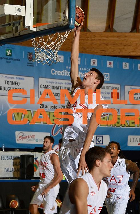 DESCRIZIONE : Bormio Lega A 2014-15 amichevole Ea7 Olimpia Milano - Pepinster<br /> GIOCATORE : Francesco Toso<br /> CATEGORIA : before pregame<br /> SQUADRA : Ea7 Olimpia Milano<br /> EVENTO : Valtellina Basket Circuit 2014<br /> GARA : Ea7 Olimpia Milano - Pepinster<br /> DATA : 09/09/2014<br /> SPORT : Pallacanestro <br /> AUTORE : Agenzia Ciamillo-Castoria/R.Morgano<br /> Galleria : Lega Basket A 2014-2015  <br /> Fotonotizia : Bormio Lega A 2014-15 amichevole Ea7 Olimpia Milano - Pepinster<br /> Predefinita :