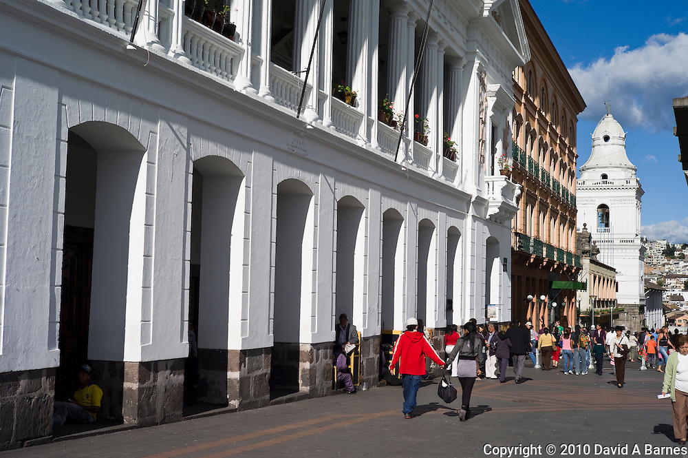 Coupe walking, colonial architecture, Quito, Ecuador
