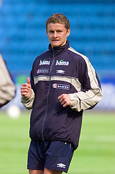 OSLO, NORWAY - Tuesday, September 4, 2001: Norway's Ole Gunnar Solksjaer during training at the Ullevaal Stadion ahead of his side's FIFA World Cup 2002 Qualifying Group 5 match against Wales. (Pic by David Rawcliffe/Propaganda)