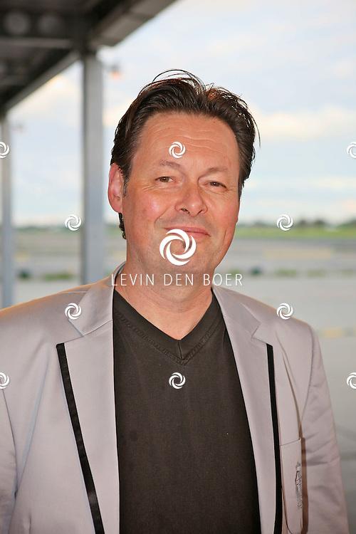 KATWIJK - Op vliegbasis Valkenburg hield Soldaat van Oranje een tweede premiere ter gelegenheid van een nieuwe Cast. Met op de foto Carel Kraayenhof. FOTO LEVIN DEN BOER - PERSFOTO.NU
