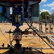Campo de Produccion PETROZUATA - Petrozuata. Ubicado en el sector de San Diego de Cabrutica, en el se encuentran las mas importantes empresas petroleras tanto nacionales como extrangeras entre las que se destacan PEQUIVEN, Sincor, PDVSA y Fertinitro. 08 de abril del 2008.<br /> Photography by Aaron Sosa<br /> Caracas, Venezuela 2008<br /> (Copyright © Aaron Sosa)
