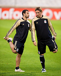 MARSEILLE, FRANCE - Monday, September 15, 2008: Liverpool's Javier Mascherano and Fernando Torres training ahead of the opening UEFA Champions League Group D match against Olympique de Marseille at Stade Velodrome. (Photo by David Rawcliffe/Propaganda)