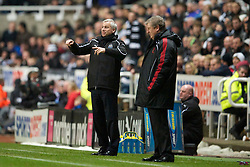 NEWCASTLE, ENGLAND - Saturday, December 11, 2010: Liverpool's manager Roy Hodgson and Newcastle United's manager Alan Pardew during the Premiership match at St James' Park. (Photo by: David Rawcliffe/Propaganda)