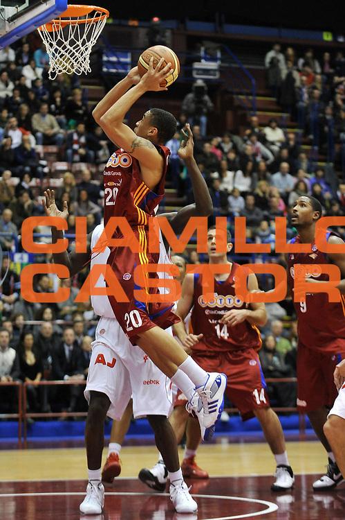 DESCRIZIONE : Milano Lega A1 2008-09 Armani Jeans Milano Lottomatica Virtus Roma<br /> GIOCATORE : Ibrahim Jaaber<br /> SQUADRA : Lottomatica Virtus Roma<br /> EVENTO : Campionato Lega A1 2008-2009<br /> GARA : Armani Jeans Milano Lottomatica Virtus Roma<br /> DATA : 04/01/2009<br /> CATEGORIA : Tiro<br /> SPORT : Pallacanestro<br /> AUTORE : Agenzia Ciamillo-Castoria/A.Dealberto