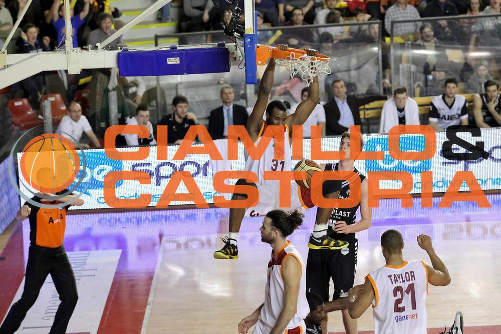 DESCRIZIONE: Roma Lega A 2012-13 Acea Virtus Roma Oknoplast Bologna<br /> GIOCATORE : Gani Lawal<br /> CATEGORIA : sequenza schiacciata super<br /> SQUADRA : Acea Virtus Roma<br /> EVENTO : Campionato Lega A 2012-2013 <br /> GARA : Acea Virtus Roma Oknoplast Bologna<br /> DATA : 24/03/2013<br /> SPORT : Pallacanestro <br /> AUTORE : Agenzia Ciamillo-Castoria/N. Dalla Mura<br /> Galleria : Lega Basket A 2012-2013  <br /> Fotonotizia : Roma Lega A 2012-13 Acea Virtus Roma Oknoplast Bologna