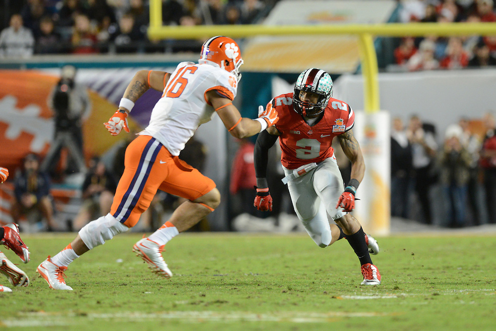 January 3, 2014: Ryan Shazier #2 of Ohio State in action during the NCAA football game between the Clemson Tigers and the Ohio State Buckeyes at the 2014 Orange Bowl in Miami Gardens, Florida. The Tigers defeated the Buckeyes 40-35.