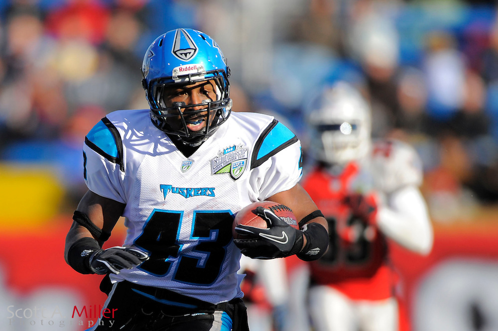 Florida Tuskers running back Maurice Hicks (43) during the United Football League championship game against the Las Vegas Locomotives at Rosenblatt Stadium on Nov. 27, 2010 in Omaha, Nebraska. Las Vegas won the game 23-20...©2010 Scott A. Miller