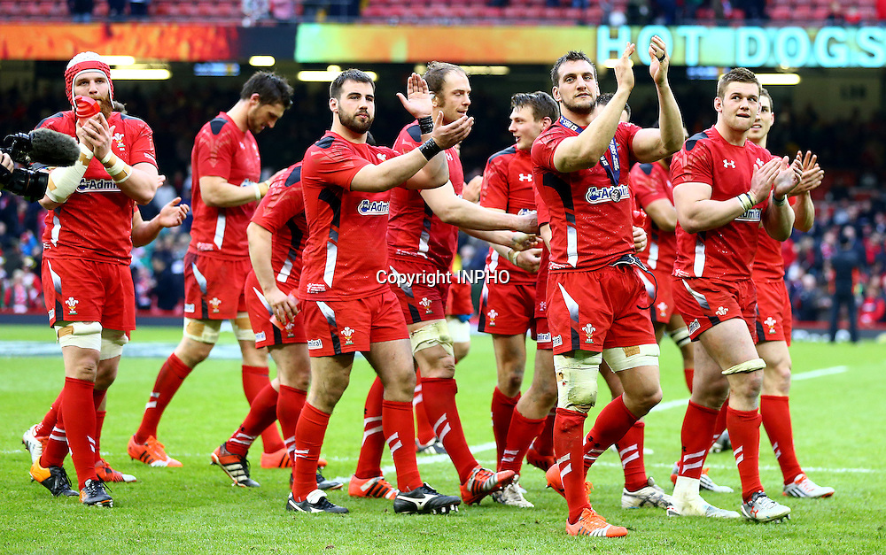 RBS 6 Nations Championship, Millennium Stadium, Wales 14/3/2015<br /> Wales vs Ireland<br /> Sam Warburton and the Wales team applaud the crowd after the game<br /> Mandatory Credit &copy;INPHO/Cathal Noonan