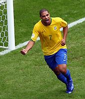 Jubel 2:0 Torschuetze Adriano Brasilien<br /> Fussball WM 2006 Achtelfinale Brasilien - Ghana<br /> Brasil - Ghana<br /> Norway only