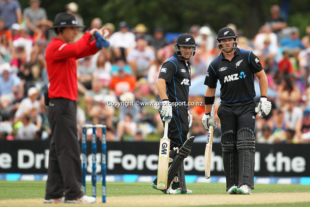 Corey Anderson of the Black Caps and Nathan McCullum look at umpire Chris Gaffaney during the first ODI cricket game between the Black Caps v Sri Lanka at Hagley Oval, Christchurch. 11 January 2015 Photo: Joseph Johnson / www.photosport.co.nz