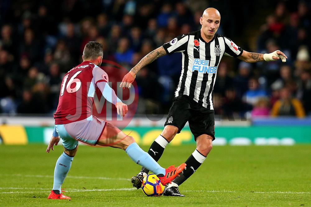 Jonjo Shelvey of Newcastle United takes on Steven Defour of Burnley - Mandatory by-line: Robbie Stephenson/JMP - 30/10/2017 - FOOTBALL - Turf Moor - Burnley, England - Burnley v Newcastle United - Premier League