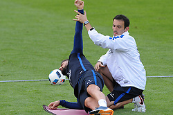 01.06.2016, Alpenstadion, Neustift, AUT, UEFA Euro, Frankreich, Vorbereitung Frankreich, im Bild Olivier Girould (FRA) und Physio // Frenchs Olivier Girould with his Physio during Trainingscamp of Team France for Preparation of the UEFA Euro 2016 France at the Alpenstadion in Neustift, Austria on 2016/06/01. EXPA Pictures © 2016, PhotoCredit: EXPA/ ERICH SPIESS