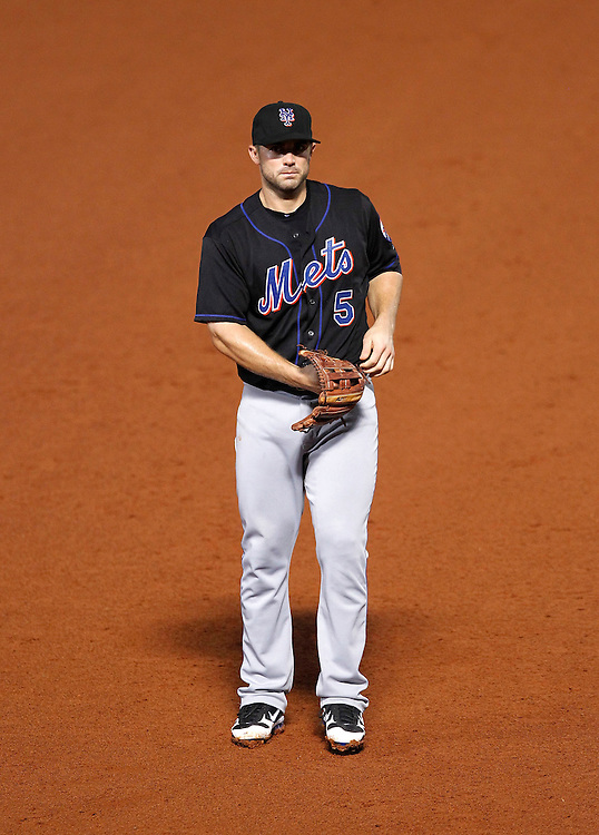 ATLANTA - AUGUST 3:  Third baseman David Wright #5 of the New York Mets takes a break during a pitching change during the game against the Atlanta Braves at Turner Field on August 3, 2010 in Atlanta, Georgia.  The Mets beat the Braves 3-2.  (Photo by Mike Zarrilli/Getty Images)