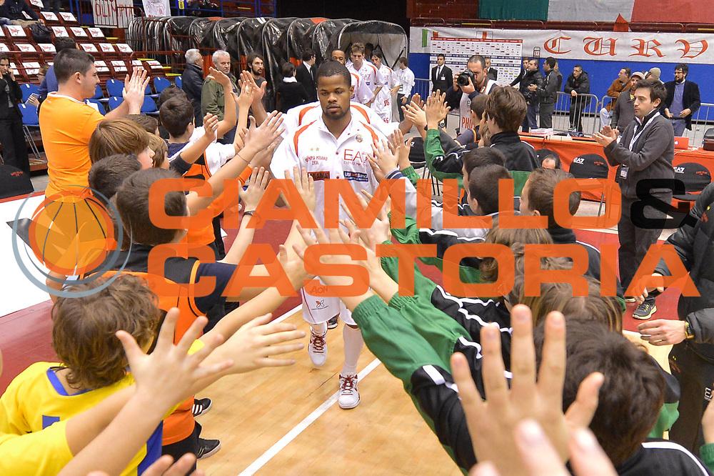 DESCRIZIONE : Milano Lega A 2012-13 EA7 Emporio Armani Milano Banco di Sardegna Sassari<br /> GIOCATORE : team bambini<br /> CATEGORIA : mani pregame<br /> SQUADRA : EA7 Emporio Armani Milano<br /> EVENTO : Campionato Lega A 2012-2013 <br /> GARA :  EA7 Emporio Armani Milano Banco di Sardegna Sassari<br /> DATA : 02/12/2012<br /> SPORT : Pallacanestro <br /> AUTORE : Agenzia Ciamillo-Castoria/GiulioCiamillo<br /> Galleria : Lega Basket A 2012-2013  <br /> Fotonotizia : Milano Lega A 2012-13 EA7 Emporio Armani Milano Banco di Sardegna Sassari<br /> Predefinita :
