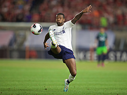 NEW YORK, NEW YORK, USA - Wednesday, July 24, 2019: Liverpool's Georginio Wijnaldum during a friendly match between Liverpool FC and Sporting Clube de Portugal at the Yankee Stadium on day nine of the club's pre-season tour of America. (Pic by David Rawcliffe/Propaganda)
