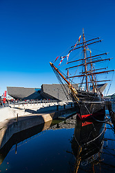 Exterior of the new V&A Museum and RRS Discovery ship at Discovery Point  in Dundee , Scotland, UK.
