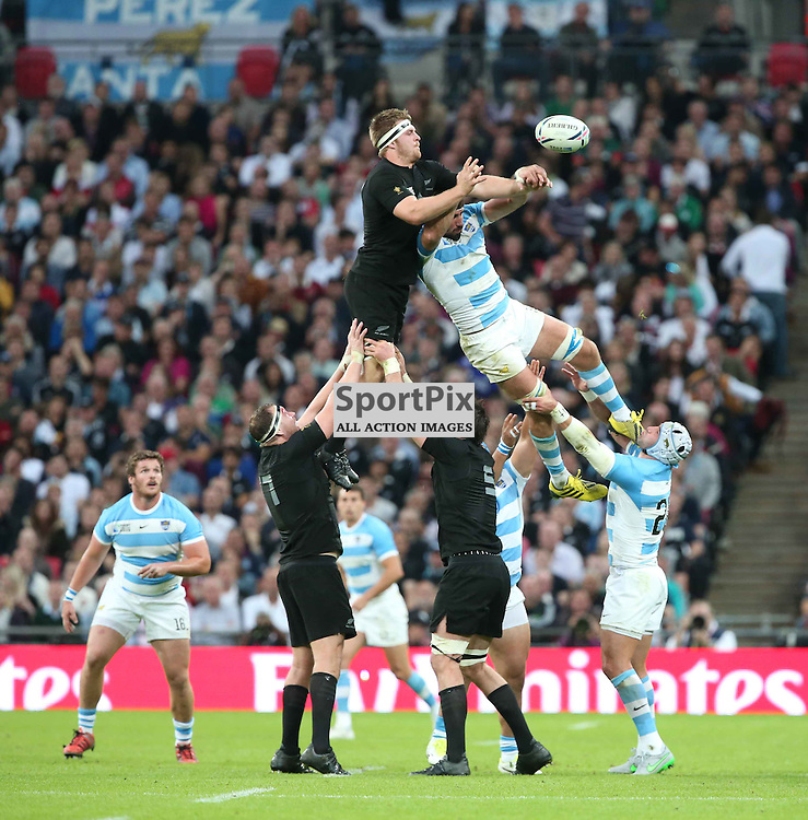 New Zeland win a lineout during the Rugby World Cup New Zealand v Argentina, Sunday 20 September 2015, Wembley Stadium (Photo by Mike Pole)