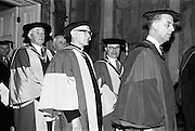 23/04/1964<br /> 04/23/1964<br /> 23 April 1964<br /> Honorary Degrees conferred at the National University of Ireland, Iveagh House, Dublin. <br /> Picture shows some of the conferrees at the ceremony.