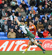 Reading, GREAT BRITAIN, Exiles, Shane GERAGHTY, attempt to charge down Nicolas LAHARRAGUE's kick,  during the Heineken, Quarter Final, Cup rugby match,  London Irish vs Perpignan, at the Madejski Stadium on Sat 05.04.2008 [Photo, Peter Spurrier/Intersport-images]