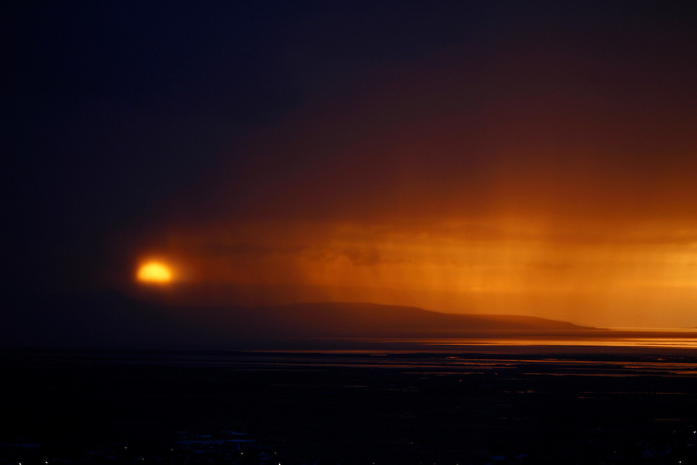 Sunset over the Great Salt Lake from the foothills of Bountiful, Utah Thursday June 8, 2006.  Photo by August Miller