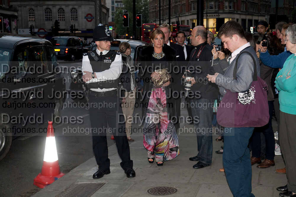 Guests arriving at the Mandarin Oriental Gala pre-royal  wedding dinner held at the Mandarin Oriental Hyde Park. LONDON.  on April 28-DO NOT ARCHIVE-© Copyright Photograph by Dafydd Jones. 248 Clapham Rd. London SW9 0PZ. Tel 0207 820 0771. www.dafjones.com.