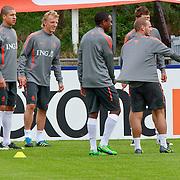 NLD/Katwijk/20110808 - Training Nederlands Elftal voor duel Engeland - Nederland, rondo,