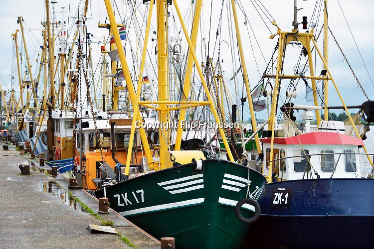 Nederland, the Netherlands, Zoutkamp, 11-8-2016Na de indamming van de Lauwerszee in 1969 was de garnalenvisserij vanuit Zoutkamp ten dode opgeschreven. Toch vinden nog steeds veel mensen uit dit dorp werk in die sector. Een deel van de economische teruggang is opgevangen door het toerisme en de pleziervaart . Foto: Flip Franssen
