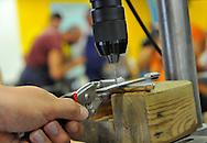 27/07/12 - THIERS - PUY DE DOME - FRANCE - Atelier INSERFAC, atelier d insertion proposant la fabrication d un couteau - Photo Jerome CHABANNE