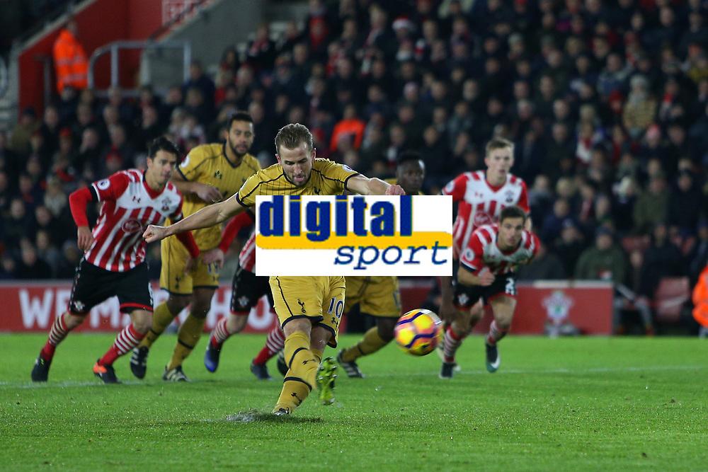 Football - 2016 / 2017 Premier League - Southampton vs. Tottenham Hotspur<br /> <br /> Harry Kane of Tottenham Hotspur blazes his penalty over the bar at St Mary's Stadium Southampton England<br /> <br /> COLORSPORT/SHAUN BOGGUST
