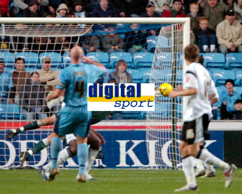 Photo: Ed Godden.<br />Coventry City v Derby County. Coca Cola Championship. Coventry's Robert Page (#4) watches his shot go just wide.