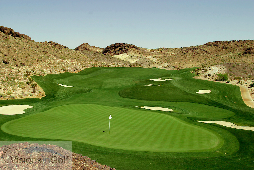 The par 4 down hill 14th at Lake las vegas' THE FALLS GC<br /> Las vegas, NV, USA<br /> Photo Credit: Charles Briscoe-Knight / visionsIngolf.com