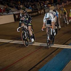 28-12-2015: Wielrennen: NK Baan: Alkmaar   <br />ALKMAAR (NED) baanwielrennen<br />Op de wielerbaan van Alkmaar streden de wielrenners om de nationale baantitels. Amy Pieters pakt op de baan van Alkmaar de titel op de scratch. De Haarlemse klopte de wereldkampioene Scratch Kirsten WIld (Zwolle)